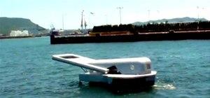 """Zipper Motorboat """"Unzips"""" the Ocean"""