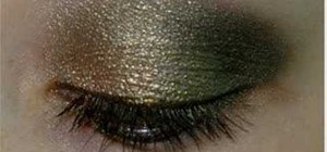 Create a green and gold smoky eye look