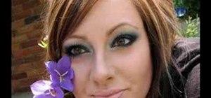 Create a blue smoky eye look