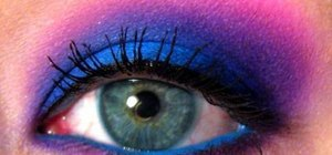 "Apply a ""Cheshire Cat"" inspired wearable makeup look"