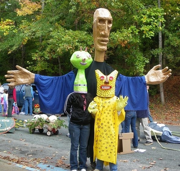 Make your own Handmade Parade with giant puppets