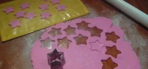 Make fondant icing shooting stars for cake decorating