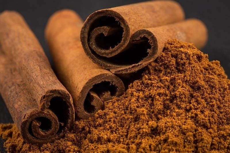 4Cinnamon Sticks : how-to-remove-odors-from-home - designwebi.com