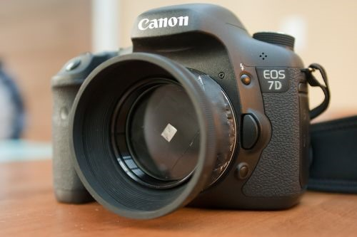 Canon 7D Jerry-Rigged to Shoot Pinhole Video