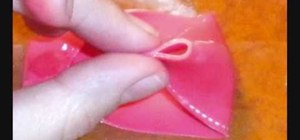 Create a gumpaste bow for cake decorating