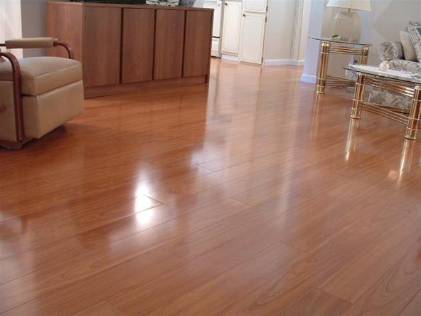 This Laminate Looks Like Real Hardwood Flooring DIY