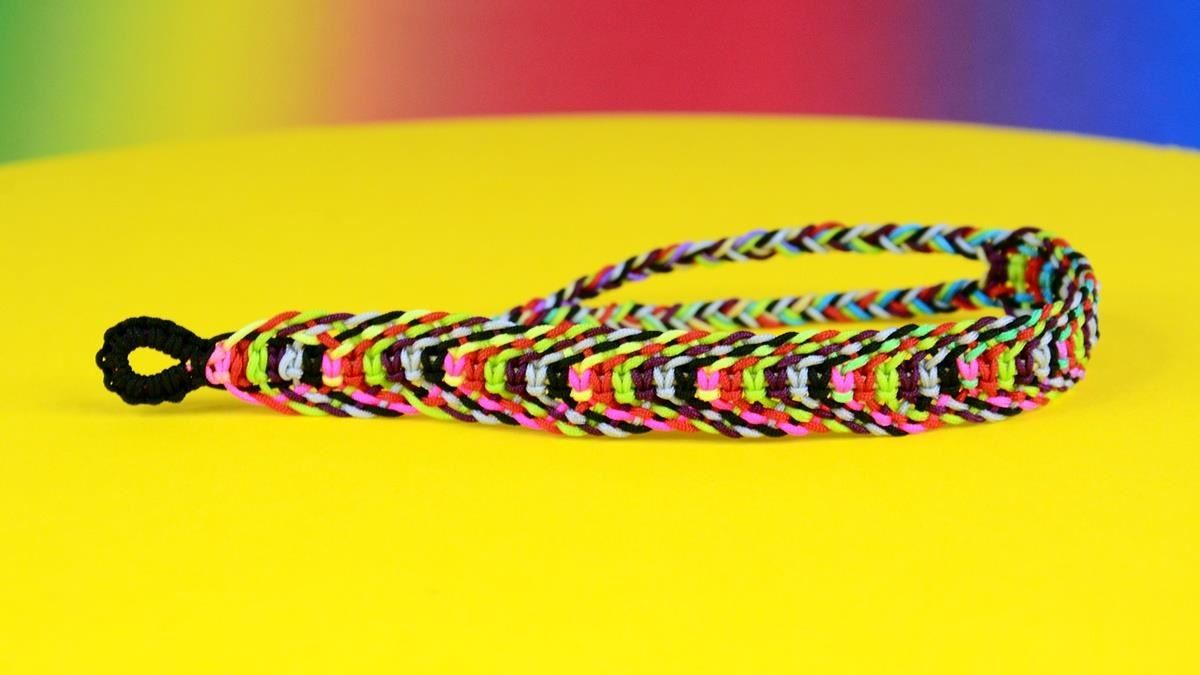 How to Rainbow Fishbone Bracelet
