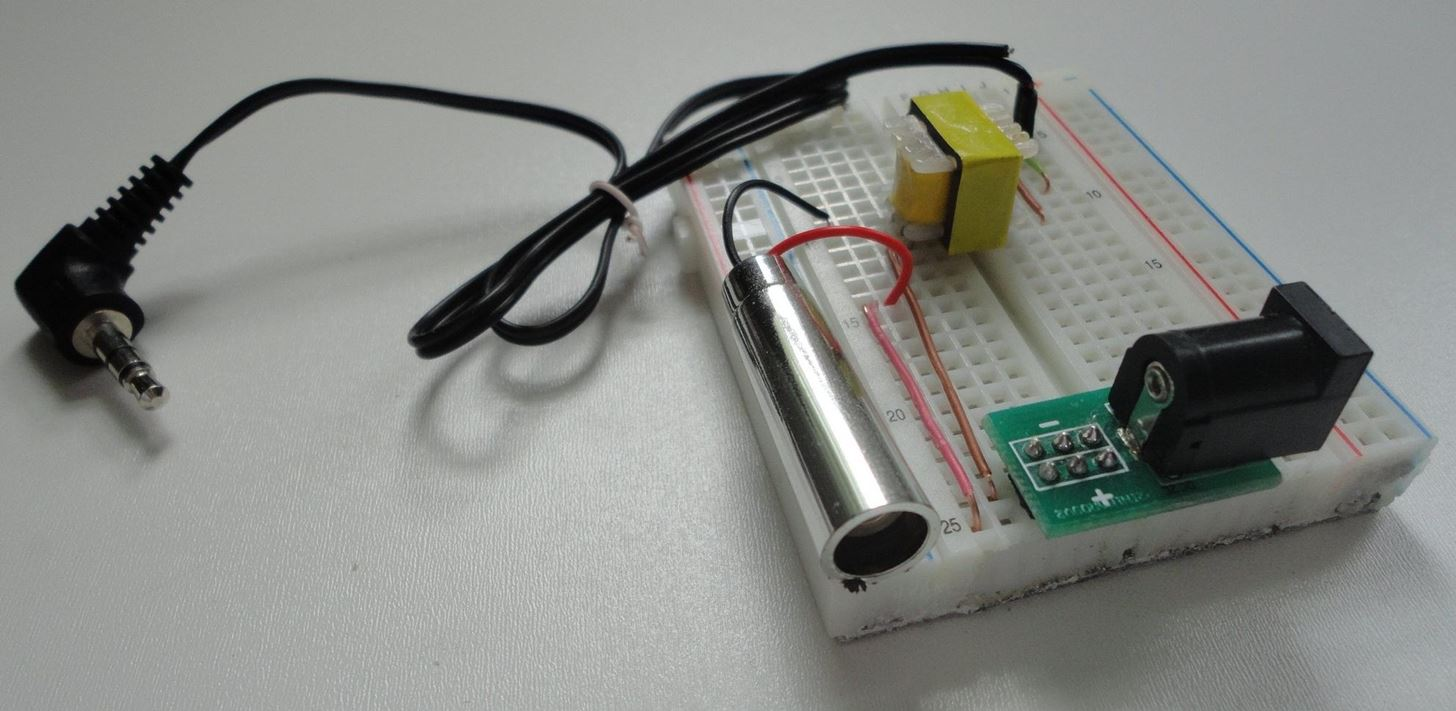 Send Your Secret Spy Messages Wirelessly Through Light with This DIY Laser Audio Transmitter