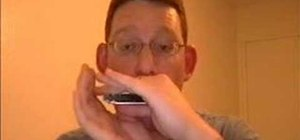 Play the harmonica using the basics