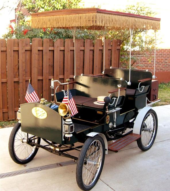 Man Builds 1906 Oldsmobile Using Google Books