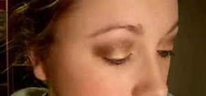 Use makeup for a Stila Gold and brown eyes