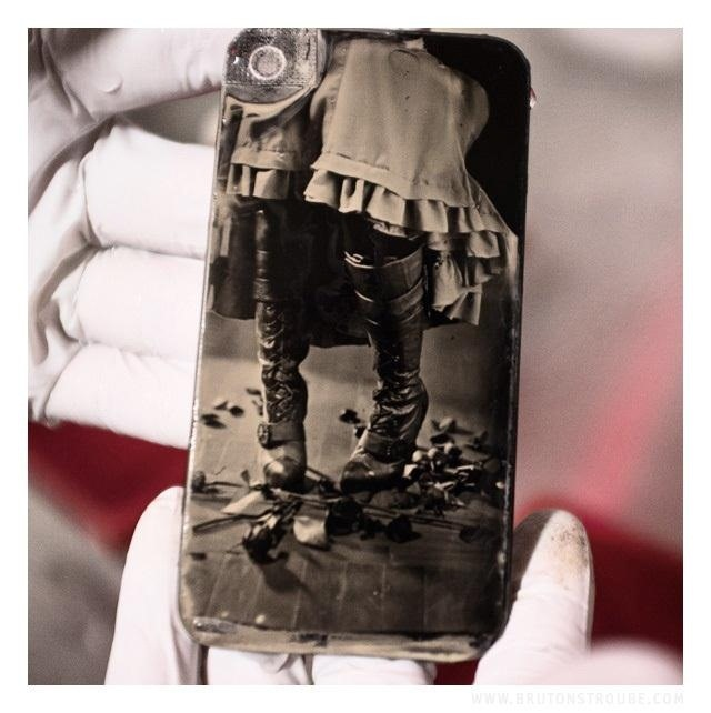 Turn Your iPhone's Glass Back Panel into a Vintage Wet Collodion Photo Plate