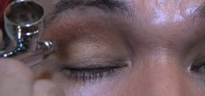 Airbrush eyeshadow or eye shading