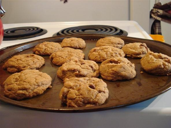 How to Bake Yummy Chocolate Chip Cookies