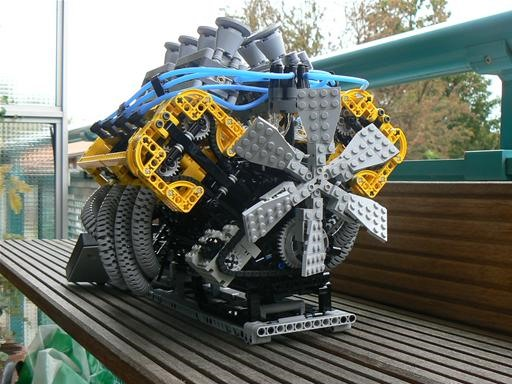 Obsessively Authentic LEGO V-8