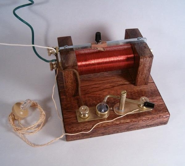 The Complete Guide on How to Build a Crystal Radio—Plus How They Work