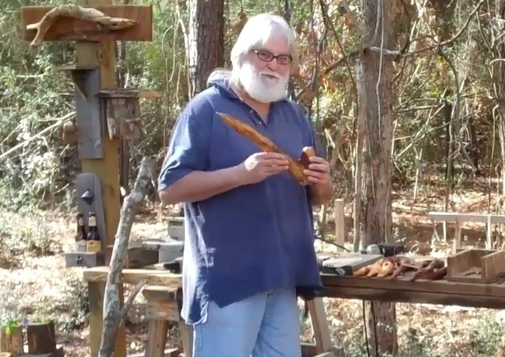 How to Make Your Very Own Hobbit Pipe—The Only Way to Smoke Pipe-Weed
