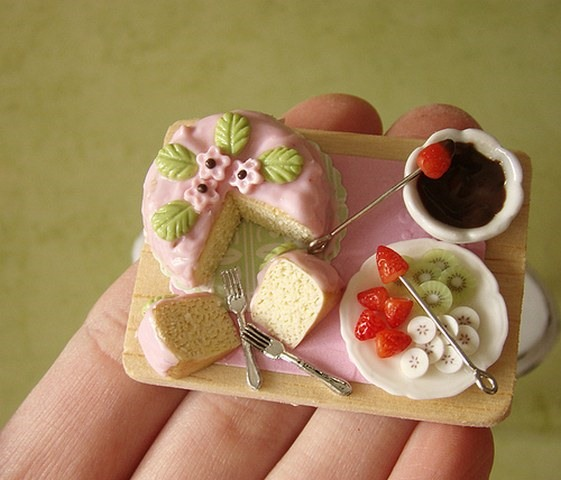 Miniature Cakes & Other Tiny Desserts