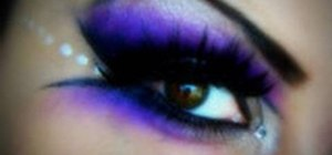 Mix purple & silver for a dramatic makeup look