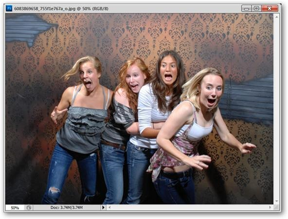 Horror Photography Challenge: How to Make Ghosts in Photoshop or Gimp