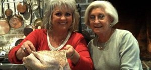 Deep fry a turkey for Thanksgiving with Paula Deen