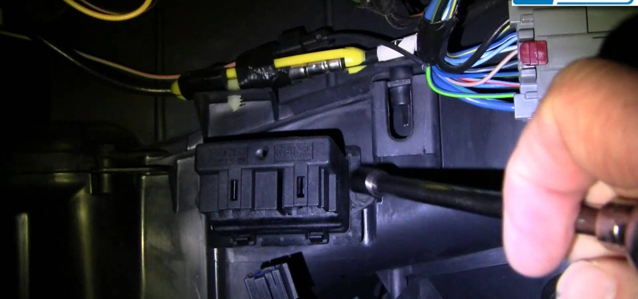 Replace the AC and Heater Fan Speed Resistor in a 2004-07 Chrysler Pacifica