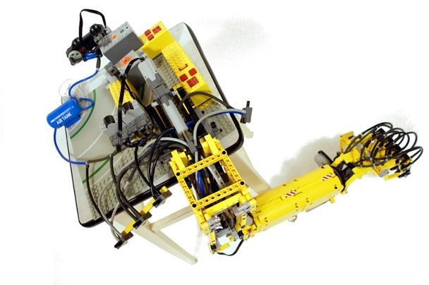 Fully Articulated LEGO Arm Mimics Human Movement