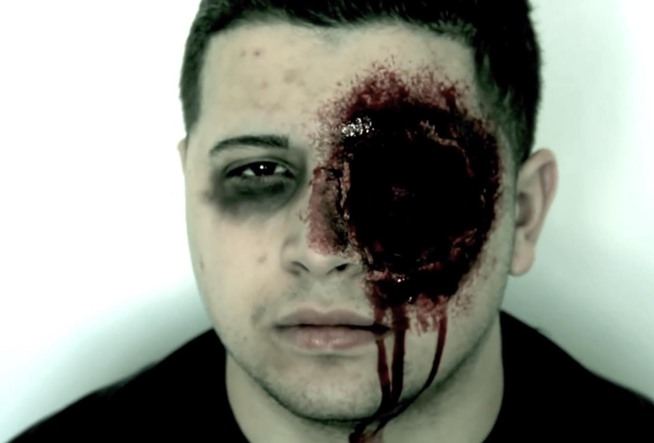 Makeup: DIY   Gruesome, Realistic a Create Eye Costume zombie makeup Halloween natural Missing