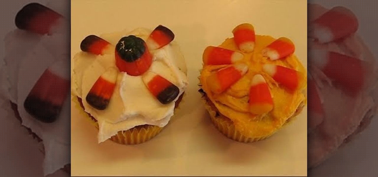 How to decorate candy corn covered vanilla cupcakes for for Halloween chocolate cake decorations
