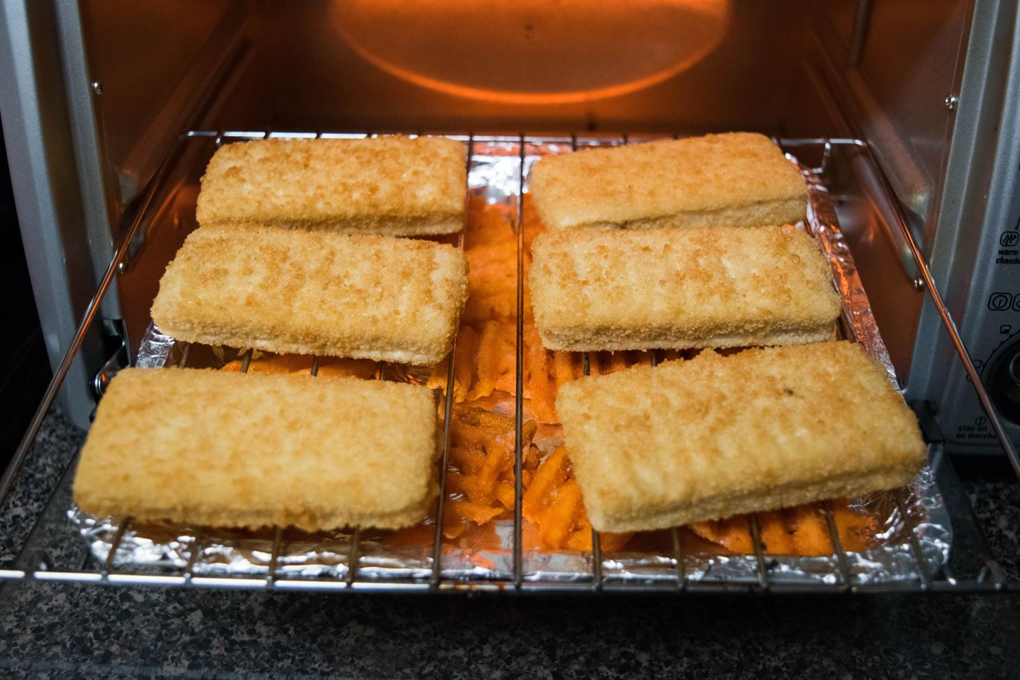 Double Your Snackage with This Brilliantly Lazy Toaster Oven Hack