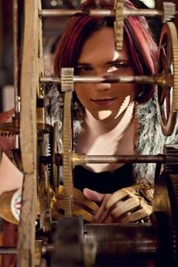 Steampunk Travesty: Cross-Dressing in Fandom