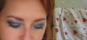 Create a blue grey smokey eye makeup look