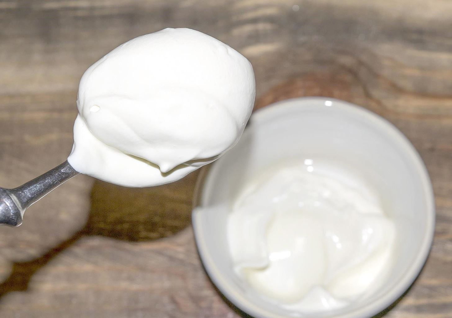 4 Healthier Whipped Cream Alternatives