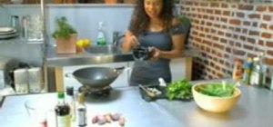 Make stir fry beef