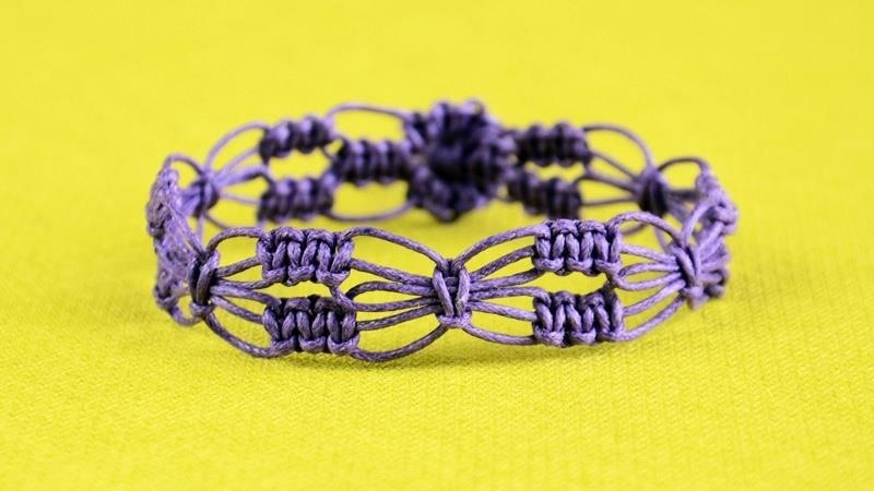 DIY Easy Square Knot Flower Bracelet
