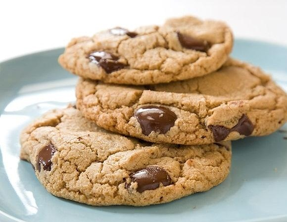 The Effortless Secret to Baking Perfect, Crispy-Edged Cookies with Chewy Centers