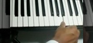 """Play """"Amazing Grace"""" on the piano for beginners"""
