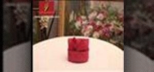 Fold a napkin like a rabbit (Pliage en lapin)