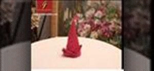 Fold a napkin into a flame (Pliage en flamme)