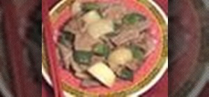 Cook Chinese green pepper steak