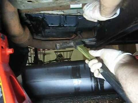 Change the transmission fluid and filter in your car - Part 2 of 3