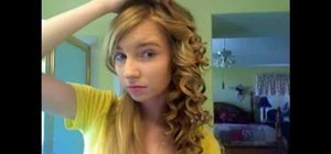Curl & style your hair like Taylor Swift