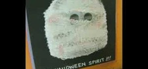 Make a Halloween mummy card