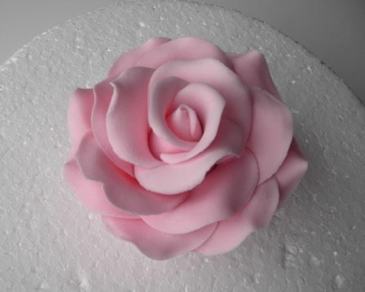 Attaching Fondant Flowers To Fondant Cake