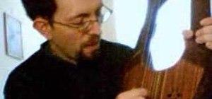 """Play the Shabbat hymn """"Shalom Aleichem"""" on the lyre"""