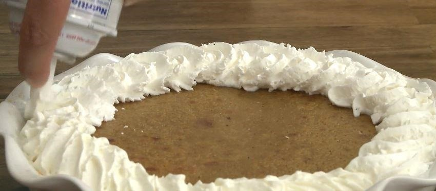 Saving Thanksgiving Dinner: How to Fix a Soggy or Burnt Pie Crust