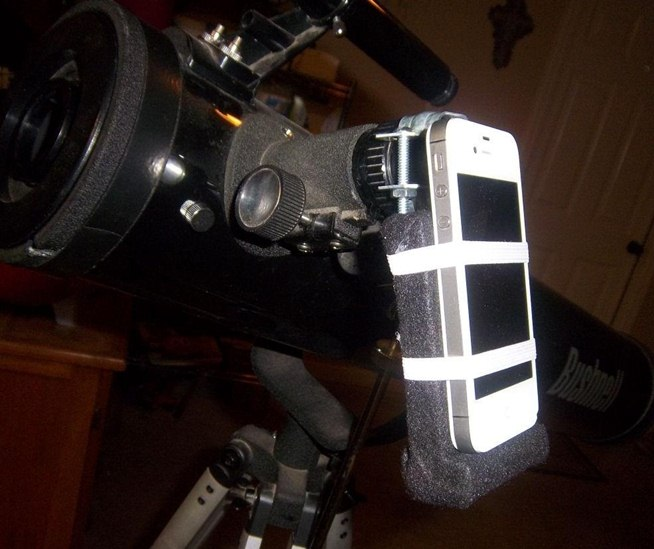This Cheap DIY Telescope Mount Makes You an Instant iPhone ...