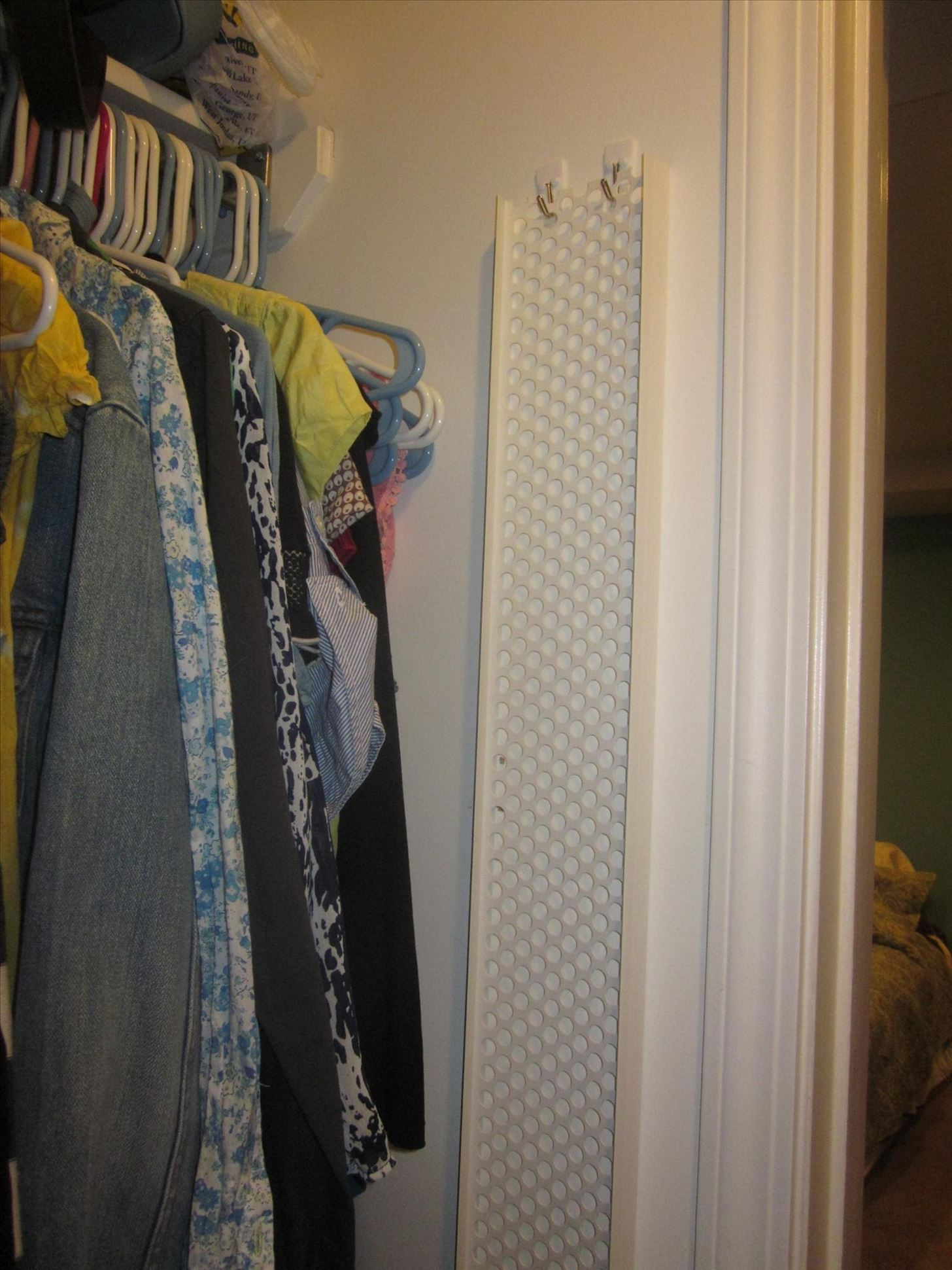 10 Beautiful DIY Ways to Declutter Your Closet