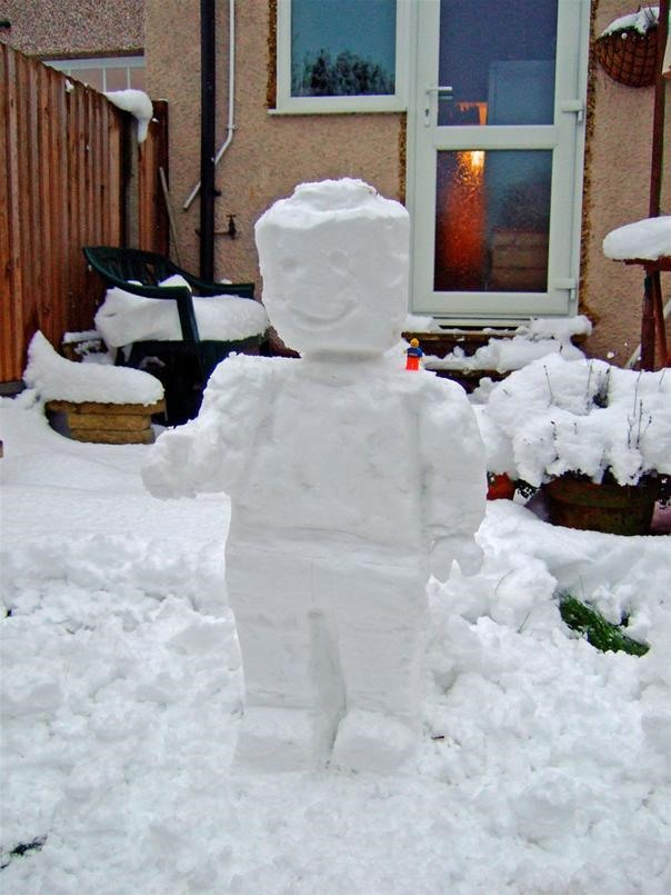 LEGO Minifigure Made of Snow