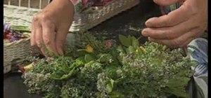 Make a decorative wreath from garden plants